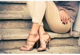 Sandalen Damen gehören in jeden Schuhschrank - auch 2021